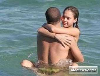 Видео туристов секс на пляже
