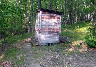 Лучший деревенский туалет (10 фото)