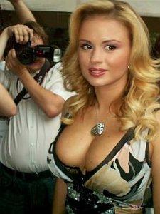 Доказано: у Анны Семенович силиконовая грудь