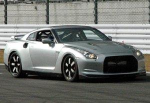 Nissan готовит новую версию суперкара GT-R