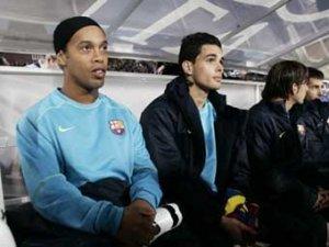 """Испанские СМИ отправили Роналдиньо в """"Челси"""""""