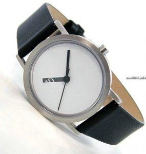 Оригинальные часы Extra Normal (5 фото)