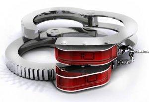ZeroPointZero - часы в виде наручников (4 фото)