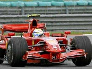 Пилоты Ferrari выиграли квалификацию Гран-при Малайзии