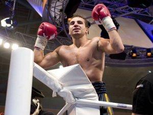 Украинский боксер Андрей Котельник - новый чемпион WBA в первом полусреднем весе