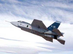 В США начата сборка первого серийного истребителя F-35