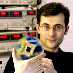 Графеновый нанометровый транзистор работает при комнатной температуре