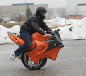 Uno – самодельный одноколесный мотоцикл-гибрид (10 фото)