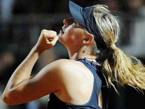 Мария Шарапова стала первой ракеткой мира