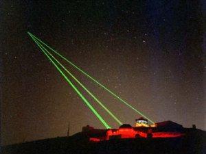 Пентагон защитит спутники от лазерных атак