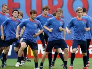 Хиддинк назвал состав сборной России на матч с Испанией