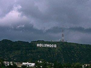 Голливудские продюсеры не смогли договориться с актерами в срок