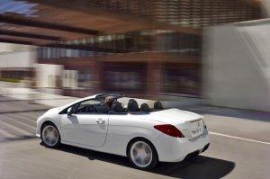 Peugeot 308 CC — французский элегант покажет себя в Париже (8 фото)