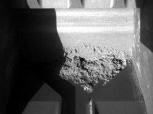 """""""Феникс"""" сумел получить воду из марсианского грунта"""