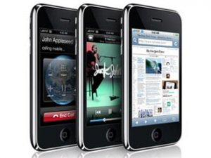 Официальные продажи iPhone в России начнутся в 2009 году