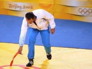 Шведского спортсмена накажут за выброшенную бронзу Олимпиады