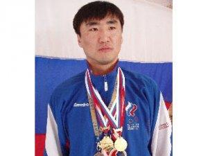 Россиянин выиграл бронзу Олимпиады-2008 в стрельбе из лука