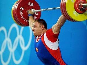 Российский тяжелоатлет выиграл серебро Олимпиады-2008
