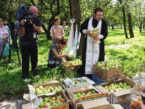 Православные отмечают один из главных церковных праздников - Преображение Господне