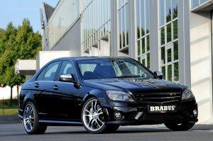Brabus показал свой вариант нового Mercedes C63 AMG (8 фото)