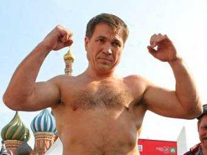 Олег Маскаев выиграл бой на Красной площади