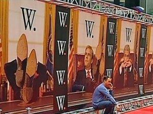 """""""W"""": Буш без прикрас"""