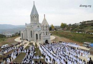 Свадьба 700 пар в Арцахе (Нагорно-Карабахская Республика) (12 фото)