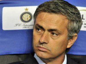 Жозе Моуринью пообещал возглавить английский клуб