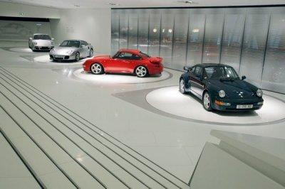 Музей автоконцерна Porsche в Штутгарте (13 фото)