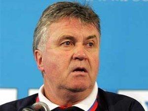 """Хиддинк будет консультировать """"Челси"""" после ухода с поста тренера"""