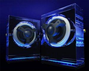 Kenwood SP0001: стеклянная акустика в стиле Hi-Tech