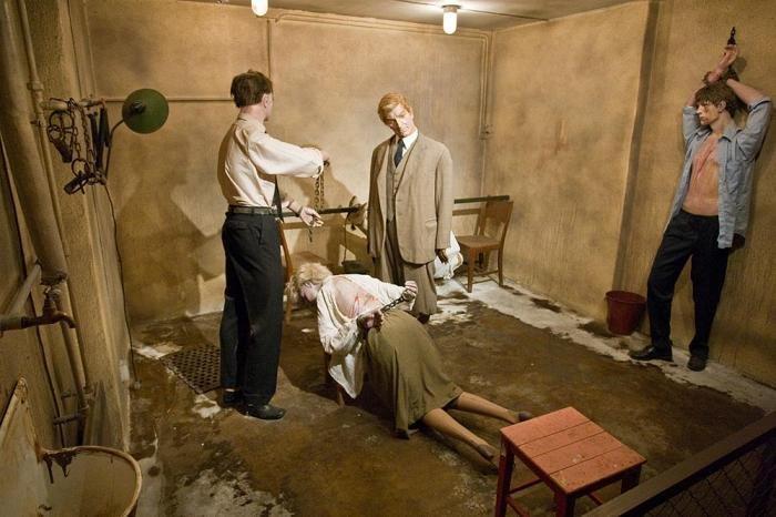 Секс пыток гестапо в камере