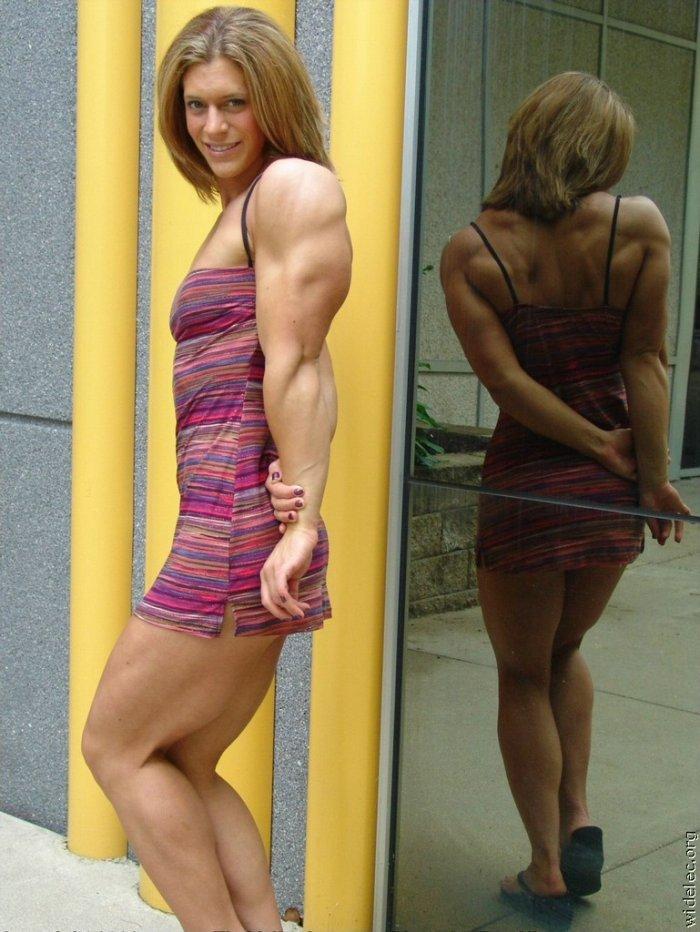 Порно с мускулистыми спортсменками
