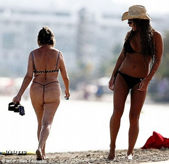 Прикольное фото на пляже - приколы про девушек и не только.