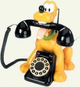 Пес искал спасения по телефону