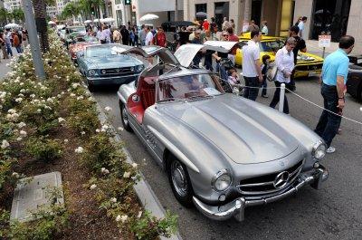 Дизайнерские автомобили показали драйв в Голливуде