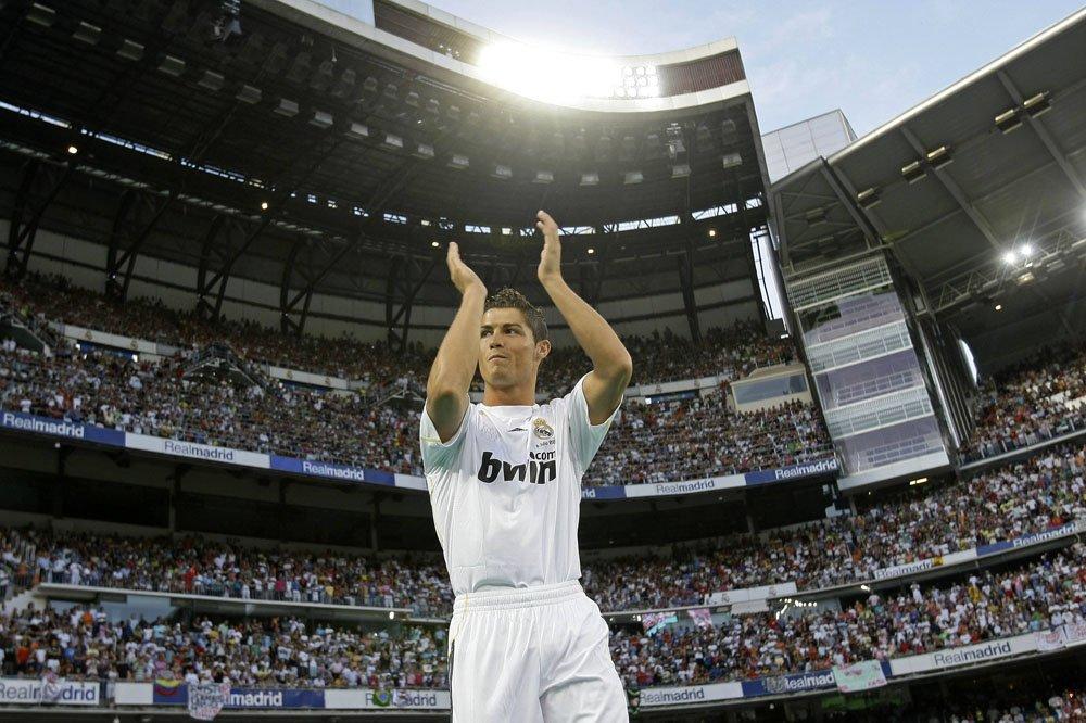 "Презентация Роналду в ""Реале"" побила рекорд Марадоны (+22 ФОТО)"