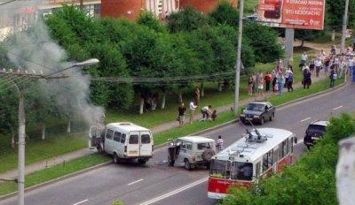 В Чебоксарах произошла авария с маршруткой, пятеро человек пострадали