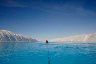 Экспедиция Greenpeace по изучению последствий воздействия изменения климата на Северном полюсе (16 фото)