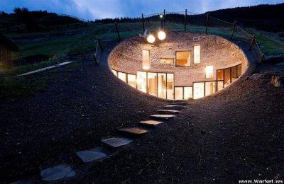 Необычный дом в скале (26 фото)
