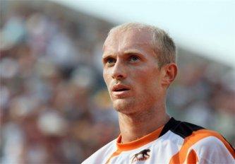 Давыденко выиграл турнир в Дохе