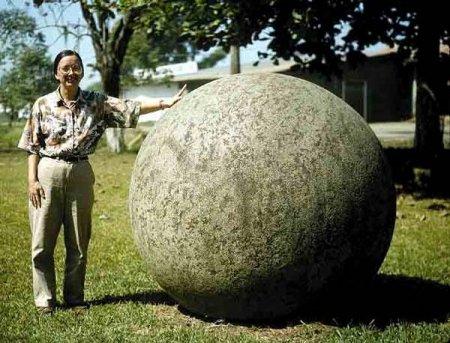 Каменные шары Коста-Рики (19 фото)