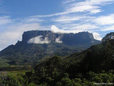 «Затерянный мир» горы Рораймы