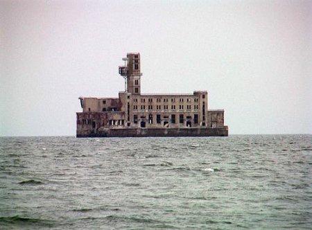 Махачкалинский Форт Бояр (8 фото)