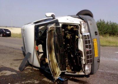 В Чувашии опрокинулась маршрутка с пассажирами, 9 человек пострадали