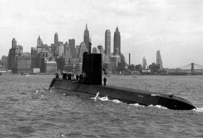 Первая в мире атомная подводная лодка