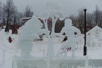 Ледяные и снежные скульптуры в Чебоксарах
