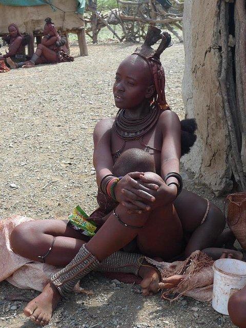 Красавицы племени химба из НамибииНа севере страны, вблизи границы с