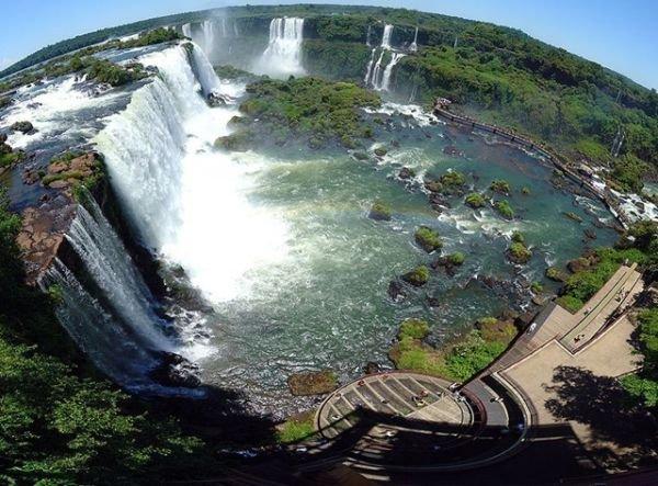 А на следующий день посетить водопады