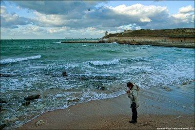 Февральский пляж